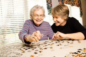 نیاز سالمند به پرستار و سرگرمی