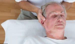 فواید ماساژ سالمند بر سلامت جسمی
