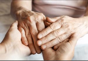 درمان لرزش دست سالمندان