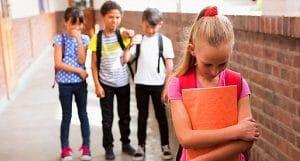 استرس در کودکان به دلیل فشار همسالان