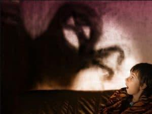 علل  ترس های طبیعی کودکان